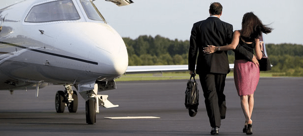 Airport Limo Service in Metro Detroit