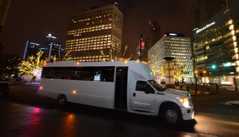 Troy Limo Service to Take You Downtown Detroit